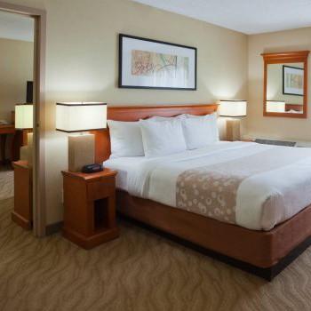 La-Quita-Inn-And-Suites